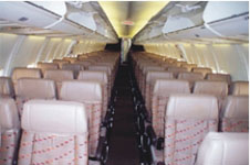 Boeing-737-600 salon view